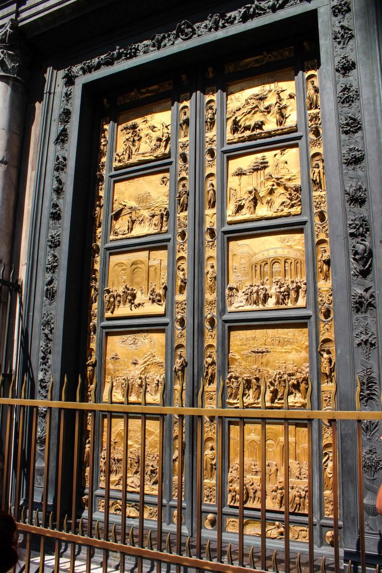 vaftizhane doğu kapıları